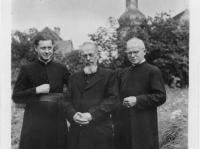 02_Mission mit Bischof Fleischer 1948