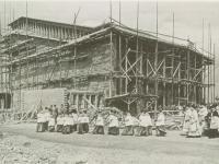 03_Einzug in den Rohbau der Kirche zur ersten Hl. Messe 23.5.1954