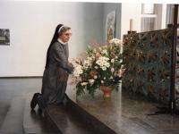 22_Schwester Liobgard - sie sorgte stets für einen festlichen Blumenschmuck