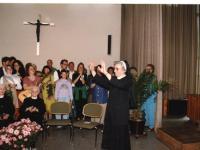 """27_Schwester Liobgard verabschiedet sich von """"ihren"""" Kindern"""