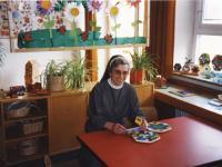 23_Schwester Liobgard und ihr Kindergarten
